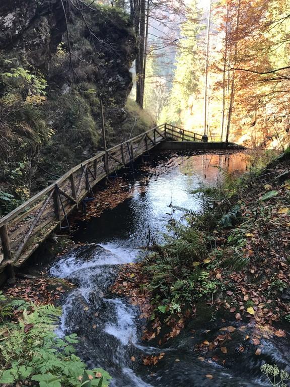 Cascada-Piscu-Negru-Transfagarasan-Arefu-obiective-turistice-Romania