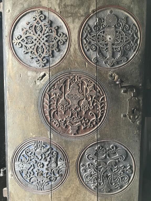 monument-istoric-arhitectura-biserica-din-Valsanesti-obiective-turistice-Romania