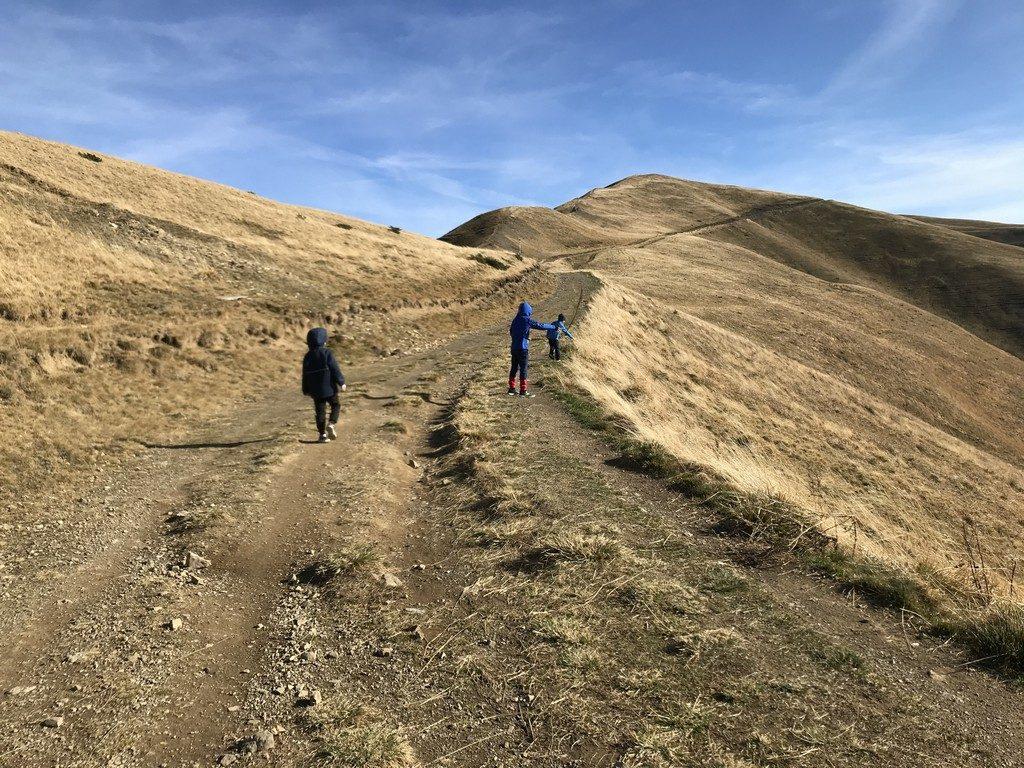 Drumetie cu copiii in Muntii Baiului, varful Baiutu, Sinaia, Busteni, Azuga telegondola, Piscu cainelui, cu bicicleta, Culmea Zamora