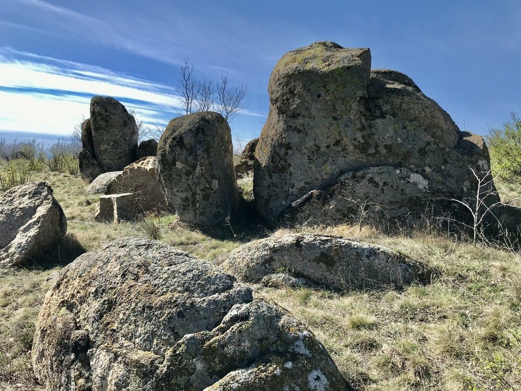 traseu Muntii Macin, Culmea Pricopanului, Varful Tutuiatu, Lacul Iacobdeal, obiective turistice Dobrogea