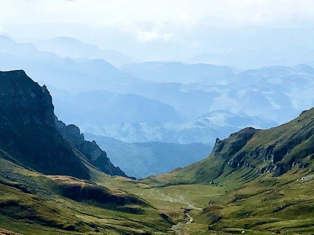 Traseu de la Piatra Arsa pana la Cabana Omu pe la Babele si Sfinx,Romania, Bucegi